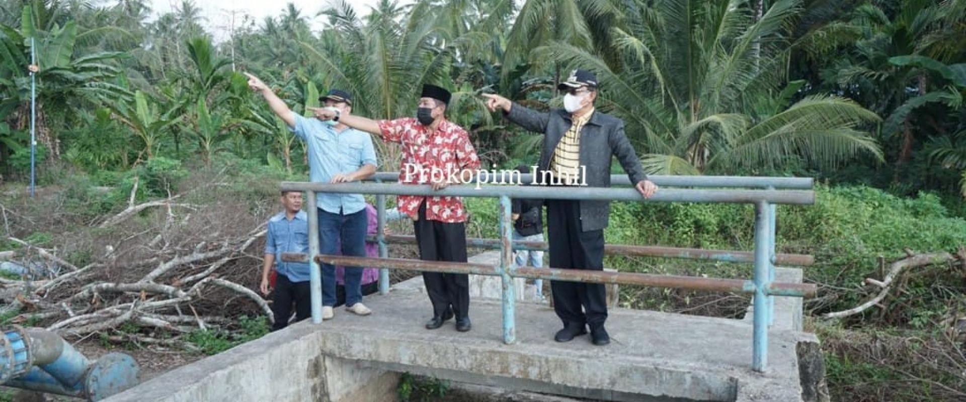 Kunker ke kecamatan kateman, Bupati Inhil tinjau pengolahan air bersih