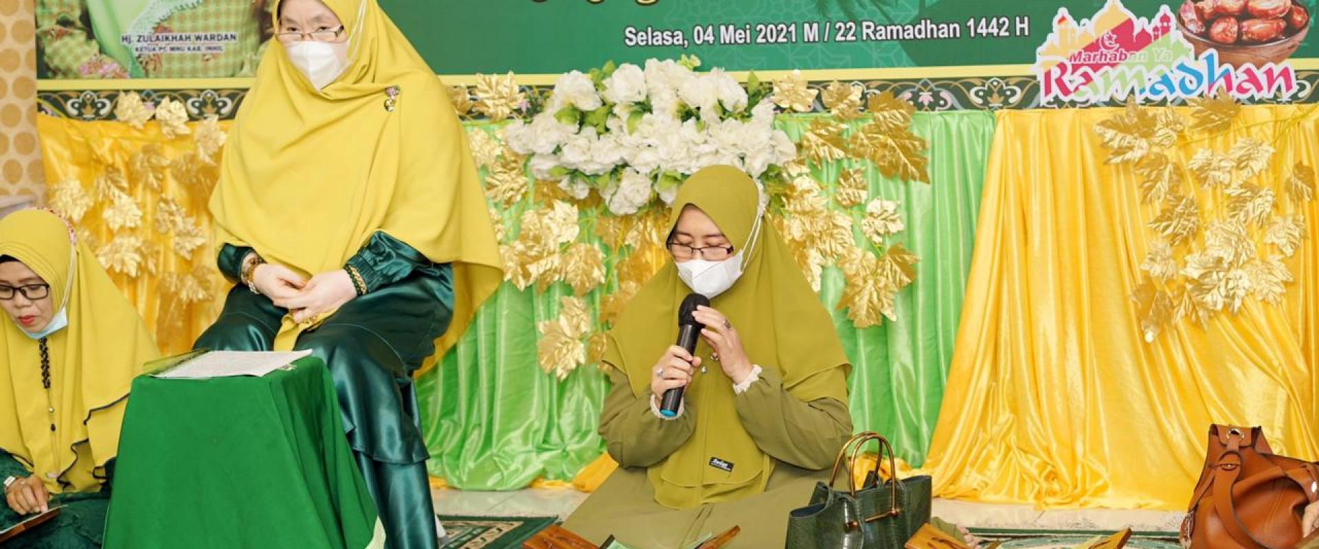 Tutup Program Ramadhan Muslimat NU, Hj.zulaikha Wardan : semoga bermanfaat bagi diri sendiri dan orang lain.