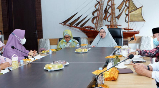 Hj.Zulaikha Wardan pimpin rapat Final  lanjutan Persiapan Sidang Itsbat, Kemenag Inhil : kegiatan ini akan ditayangkan di TV lokal (Ggtv)